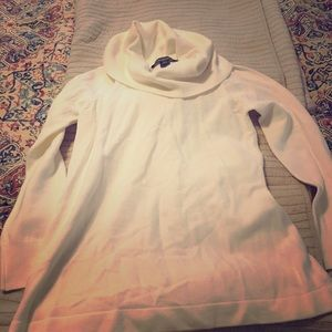 Tops - NWOT white sweater never worn